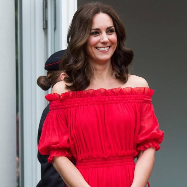 Sommertrend - Rotes Kleid, inspiriert von Kate Middleton - Helamps.com